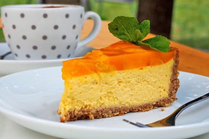 Bezlepkový mango cheesecake