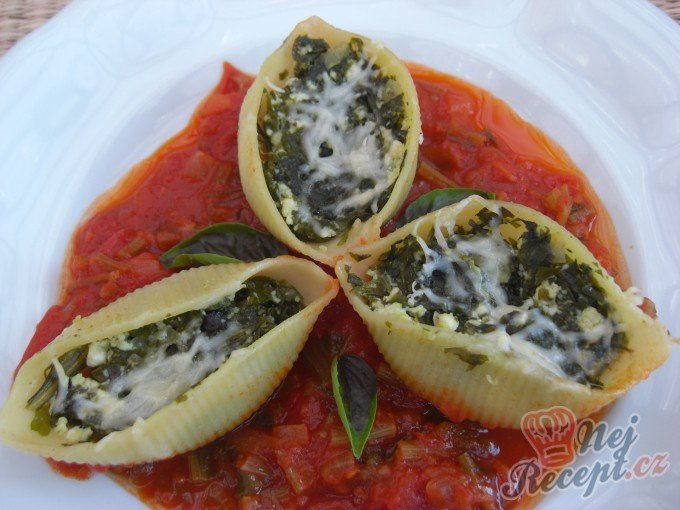 Zapečené Conchiglioni plněné mangoldem a ricottou