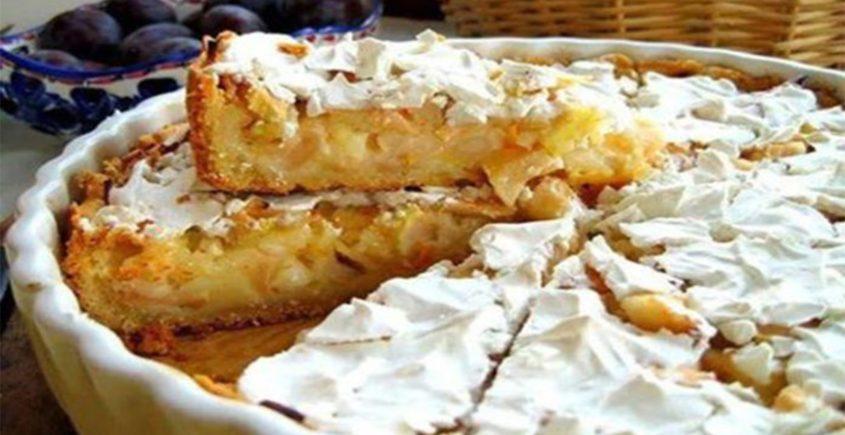 Šťavnatý jablkovo-smotanový koláč