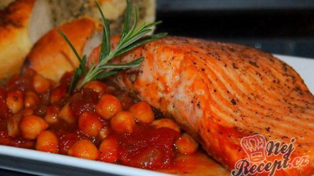 Losos s cizrnovo-rajčatovou omáčkou