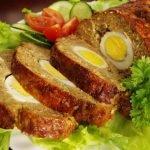 Pečený karbanátek plněný vajíčkem