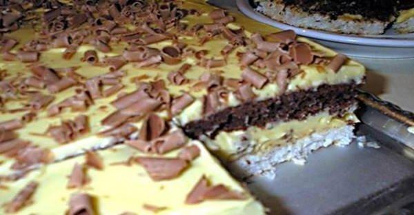 Úžasný Raffaello zákusok s čokoládou – Kokosová maškrta z chladničky!